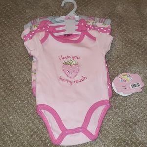 Baby onesies 4 pack